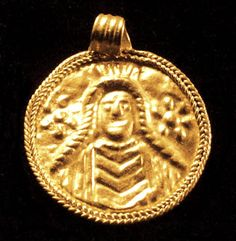 SARMATIAN GOLD PENDANT 2nd-1st Century BCE B.C.http://www.ancienttouch.com/136.jpg