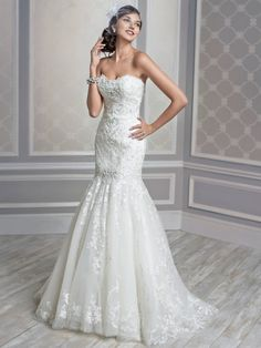 Hot Sale Discounted Wedding Dresses from China Flores Para Noivas Strapless Beading Bridal Gowns Appliques Tulle Lace Top NW2955