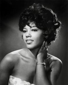 "Ja'Net DuBois aka Willona from ""Good Times"" co-wrote ""The Jeffersons"" theme song and shared the stage with Sammy Davis in ""Golden Boy"". Ja'Net was born and raised in Brooklyn. Divas, Vintage Black Glamour, Vintage Beauty, Black Girls Rock, Black Girl Magic, Classic Hollywood, Old Hollywood, Kings & Queens, Photo Star"