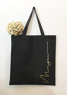 Bridal Party Gifts Bridesmaid Totes - 13 Sweet Bridesmaids Gifts Your Girls Will Want to Keep Forever Best Bridesmaid Gifts, Bridesmaid Tote Bags, Bridesmaid Proposal Gifts, Custom Tote Bags, Personalized Tote Bags, Engraved Jewelry Box, Gifts For Wedding Party, Party Gifts, Canvas Tote Bags