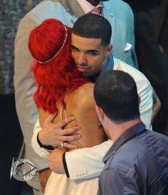 rihanna and drake Jay Z, Rihanna And Drake, Sweet Hug, Drake Graham, Aubrey Drake, Mtv Videos, Rihanna Fenty, She Song, Celebrity Couples