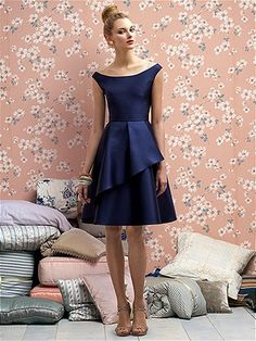 love the simple lines and the off the shoulder...  would be a great look for any body shape...