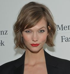 Karlie Kloss Short Wavy Cut - Karlie Kloss Short Hairstyles - StyleBistro