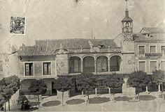 Imagen del Ayuntamiento de Guadalajara de 1880. Si queréis contactar con Guiados, para gestionar visitas a Guadalajara o Alcalá de Henares, lo podéis hacer a través de la web www.guiadosenguadalajara.es o ✆ 679 97 65 03.