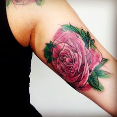 """Tattoo by <a href=""""http://instagram.com/feeabreeu"""">@feeabreeu</a>!  Flores para você"""