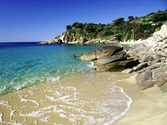 would love to visit this beach