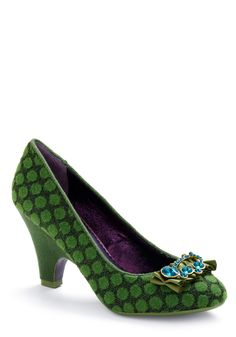 Polka-dot pumps for your wedding toes Crazy Shoes, Me Too Shoes, Funky Shoes, Wedding Toes, Polka Dot Pumps, Polka Dots, Shoe Boots, Shoes Heels, Jeans Heels