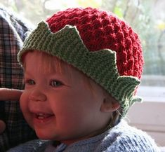 Knit crown hat for your little prince or princess. Free pattern.