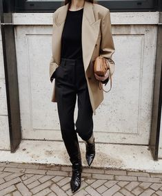 Cute Casual Outfits, Fall Outfits, Over 60 Fashion, Zara, Double Breasted Blazer, Black Trousers, Personal Style, Normcore, My Style