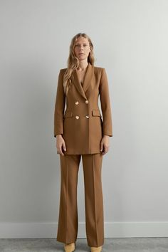 ZARA - Female - Double breasted buttoned blazer - Dark camel - S Camel Blazer, Blazer Outfits, Office Outfits, Stylish Outfits, White Outfits, Zara Suits, Arab Fashion, Outfits, Suits