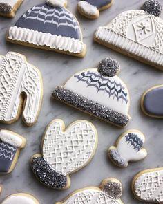 70 DIY Ideas of Simple Christmas Cookies - Cookie decorating Cookies Cupcake, Galletas Cookies, Fancy Cookies, Cute Cookies, Cookie Favors, Flower Cookies, Heart Cookies, Royal Icing Cookies, Cute Christmas Cookies