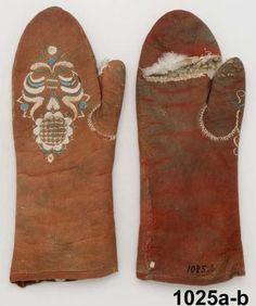 Handskar  Produktion 1780 - 1799 Brukningsort: Sverige (SE)  Västergötland  Ale hd  Tunge Identifier NM.0001025A-B Nordiska museet