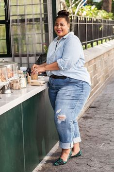 Plus size, trendy plus size, moda plus size, curvy plus size, cur Plus Size Jeans, Look Plus Size, Curvy Plus Size, Trendy Plus Size, Curvy Outfits, Date Outfits, Cool Outfits, Denim Outfits, Plus Size Fashion For Women