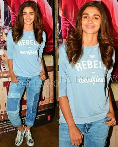 Rate the look #1........10 @BOLLYWOOD actress #AliaBhatt came to watch the…