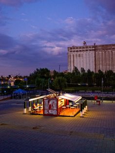 Müvbox Fast Food Shipping Container Restaurant. Visit the Slow Ottawa boards >> http://www.pinterest.com/slowottawa/