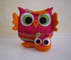 ♥♥♥ Mamã coruja fuschia...  (Explore) by sweetfelt  ideias em feltro, via Flickr