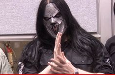 Slipknot guitarist, Mick Thompson, STABBED IN THE HEAD... by his brother!!