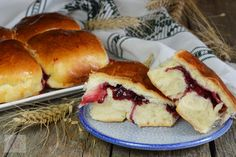 Bucte cu gem de visine - CAIETUL CU RETETE Delicious Deserts, Strudel, Hot Dog Buns, Halle, Pie, Sweets, Bread, Desserts, Recipes