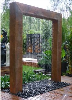 badkamer ideeen_An extraordinary garden shower