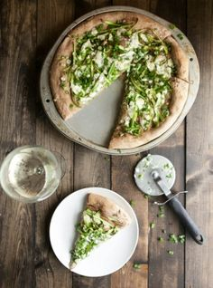 10 delicious and seasonal summer pizza recipes from The Sweetest Occasion Slow Cooker Pasta, Slow Cooker Recipes, Quiches, Pizza Recipes, Whole Food Recipes, Asparagus Pizza, Naturally Ella, Veggie Muffins, Savoury Baking