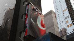 3D Coke Sign in Times Square By Loren Brinton - http://www.theinspiration.com/2017/08/3d-coke-sign-times-square-loren-brinton/