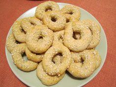 The Iraqi Family Cookbook: Sweet Sesame Rings-Kaak bil Simsim كعك بالسمسم