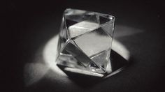 The most common shape for rough gem quality diamond is the octahedron... #diamant #rohdiamant #oktaeder #form #gia