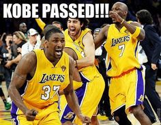 Kobe Bryant: Los Angeles Lakers Shooting Guard's 15 Funniest Memes Rangliste Kobe Bryant Memes Lakers Memes, Funny Nba Memes, Funny Basketball Memes, Football Memes, Basketball Quotes, Basketball Pictures, Funny Humor, Basketball Stuff, Girls Basketball