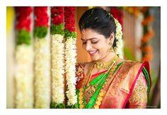 Shopzters is a South Indian wedding site Indian Bridal Fashion, Indian Bridal Makeup, South Indian Weddings, South Indian Bride, Bridal Looks, Bridal Style, Dehati Girl Photo, Wedding Stills, Telugu Brides