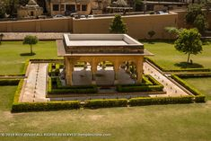 Amer Fort 007: The beautiful floating garden called Dil-e-Aaram garden. Rajasthan India, Jaipur, Amer Fort, Floating Garden, Outdoor Furniture Sets, Outdoor Decor, Mansions, House Styles, Photography