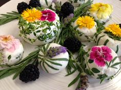 25+ Ways to Put Springtime Flowers on the Table - The View from Great Island