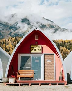 Little Chalet Motel
