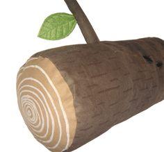 pgemütliche Baumstamm-Nackenrolle für den Wald daheim :-)/p  pgenäht aus handbedrucktem Baumwollstoff, mit Polyesterfüllung, Blätter aus we...