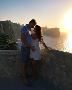 Mimi Ikonn Pregnant, Mimi Ikonn Style, 35 Weeks, Formentor, Mallorca.