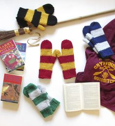The magical Emma Friedlander-Collins from Steel & Stitch enchants us with this wonderful free crochet pattern for Harry Potter mittens.