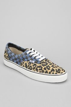 Clothing, accessories and apartment items for men and women. Rumble In The Jungle, Brand Name Shoes, Skate Shoes, Urban Outfitters, To My Daughter, Shoes Sneakers, Vans, Footwear, Heels