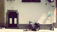 """Weißenkirchen (Austria). Comarca de Wachau. Pedaleando a lo largo del rio Danubio en Austria. Weißenkirchen (Austria). Wachau region. Cycling along the river Danube in Austria. Agosto de 2017. Lugares a donde llegar con una bicicleta de @labicicletaext ...postales del Capítulo 7 """"Cien mil pedaladas: A lo largo del Eno y del Danubio"""" de la serie """"Cien mil pedaladas: pedaleando por Europa"""". Más en http://ift.tt/2yUD9gy. #cicloviajeros #biketouring #bikepacking #cienmilpedaladas #labicicleta…"""