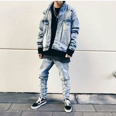 Best and Unique Mens Streetwear Ideas. For quite a while, streetwear and luxury proved mutually exclusive. Streetwear has revolutionized the area of fashion, and it has come to be a lifestyle. Fashion Mode, Urban Fashion, Style Fashion, Fashion Ideas, Fashion Quotes, Fashion Black, Fashion Styles, Hijab Fashion, Girl Fashion