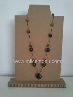 Expositor de collares con cart n reciclado 1 hogar - Expositor de bisuteria ...