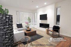Sitting room Attractive & Affordable Small Contemporary Design, 3 bedrooms with 2 family rooms - Aniston