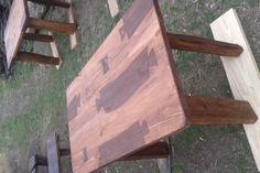 стіл столовий