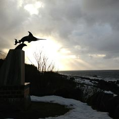 On the shore between and you will find this great monument. Along the scenic route in Norway. Photo: Kystriksveien Reiseliv www. Bald Eagle, Norway, Coastal, Country, Animals, Animais, Animales, Rural Area, Animaux