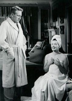 Spencer Tracy and Katharine Hepburn in Adam's Rib (1949)  Fuente: aladyloves  #Katharine Hepburn #Spencer Tracy