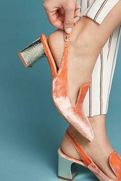 Orange ice velvet slingback pumps with silver heels Fab Shoes, Unique Shoes, Pretty Shoes, Dream Shoes, Beautiful Shoes, Me Too Shoes, Shoe Boots, Shoes Sandals, Loafer Shoes