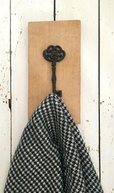 Reclaimed Wood Coat Hook, Oak Wall Hooks, Coat Hook, Hallway Storage, Coat Hooks, Rustic Home Decor, New Home Gift, Wall Decor, Coat Stand