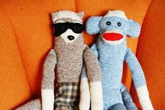 easy to make Sock Monkey...I want to do this soo bad!