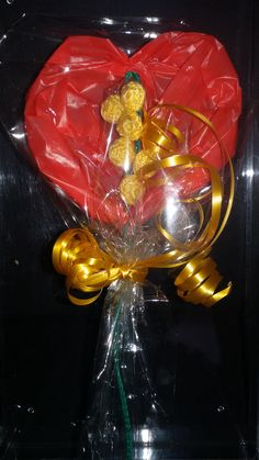 Buona Festa della Donna! Mimosa realizzata all'uncinetto