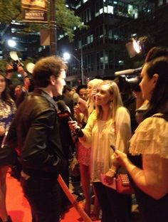 Anton Yelchin greets fans and takes the time to sign autographs! Thanks for joining our party at Courthouse!