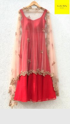 Salwar Designs, Kurti Neck Designs, Kurti Designs Party Wear, Blouse Designs, Lehenga Designs, Dress Indian Style, Indian Dresses, Indian Outfits, Indian Wear