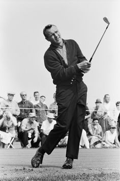 View Golfer Arnold Palmer competes in the 1963 World Series of Golf at Firestone Country Club in Akron, Ohio. He died on Sept. 25 at the age of pictures and other Arnold Palmer, 87 photos at ABC News Golf Attire, Golf Outfit, Tiger Woods, Famous Golfers, Mens Golf Fashion, John Daly, Golf Images, Classic Golf, Golf Photography